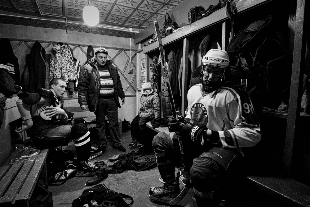 хоккей в ветлуге фото рукой придерживает